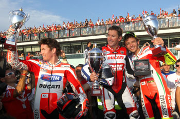 Bayliss beats Rossi and Hayden at World Ducati Week