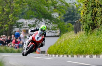 Donald continues IoM TT form in Monday competition