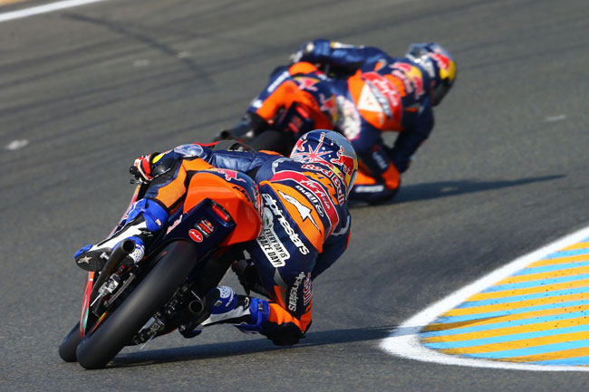 Arthur Sissis in action during the Moto3 race at Le Mans.