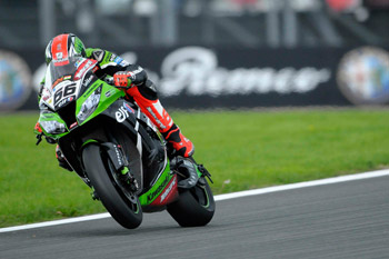 Sykes zeroes in on WSBK title with clean sweep at Magny-Cours