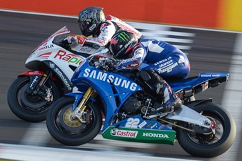 Lowes and Byrne trade race wins in Silverstone BSB thriller