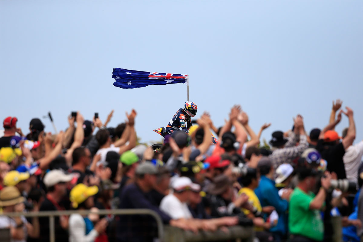 Crowds grow as 2014 MotoGP pulls in close to 2.5 million fans - CycleOnline.com.au