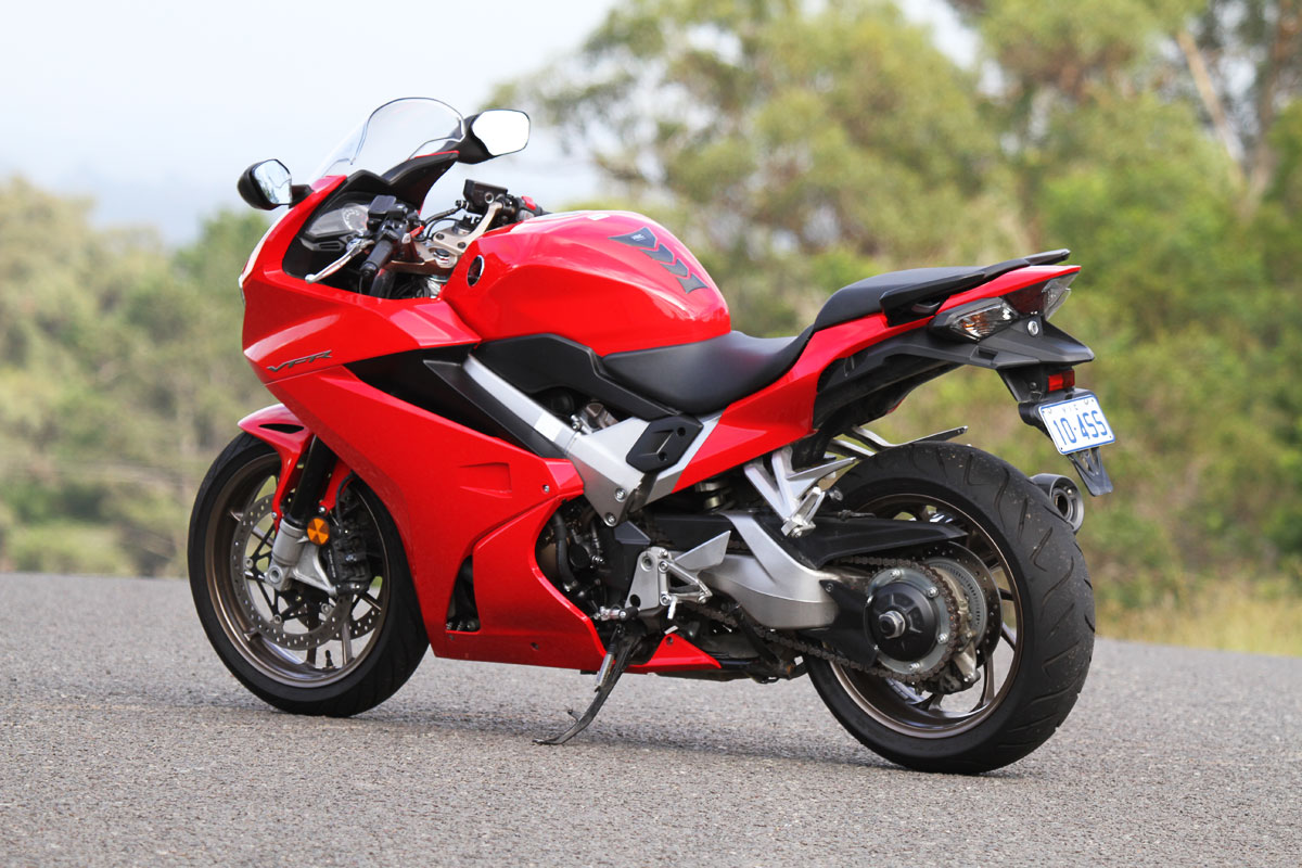Review: 2015 Honda VFR800F - CycleOnline.com.au