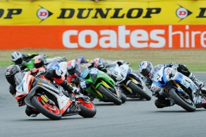 Elliott holds on to Supersport lead in tight Queensland battle