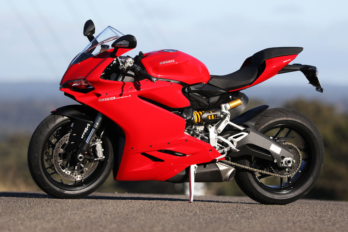 Ducati  Panigale Review