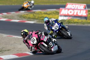 Elliott secures maiden Superbike podium and top six championship finish