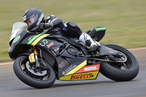 Local talent Toparis tops Wakefield Park Supersport qualifying