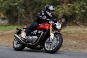 Review: 2016 Triumph Thruxton R