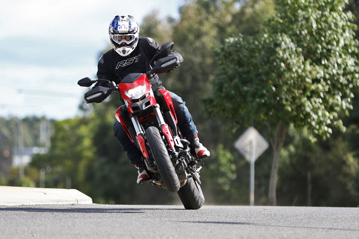 Review 2016 Ducati 939 Hypermotard Cycleonlinecomau