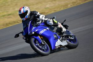 Review: 2017 Yamaha YZF-R6