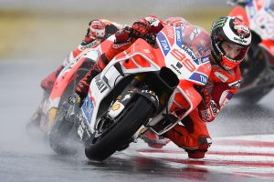 Loss of concentration results in costly crash for Lorenzo