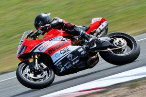 Top five for DesmoSport Ducati's Bayliss at Wakefield Park