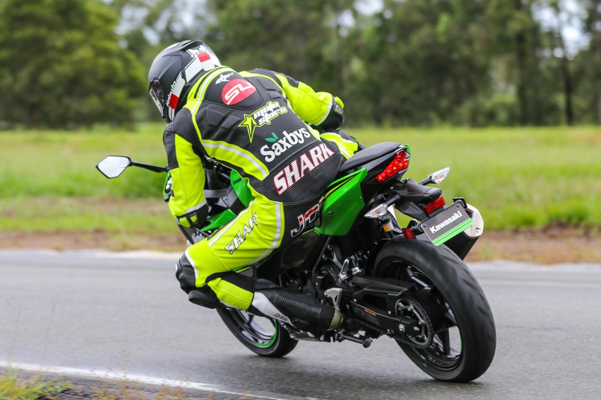 Review 2018 Kawasaki Ninja 400 Cycleonline Com Au