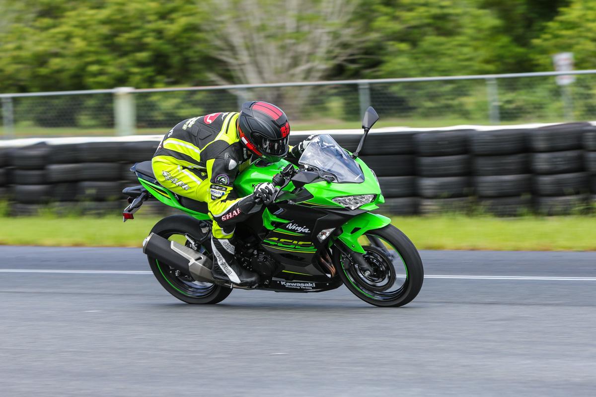 Review 2018 Kawasaki Ninja 400 Cycleonlinecomau