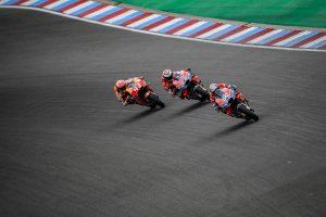 Dovizioso converts fast-time into Czech MotoGP race victory