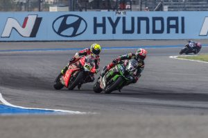 Bautista overcomes Rea for Thailand WorldSBK race one victory