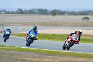 ASBK Supersport and Supersport 300 victories for Pirelli at The Bend