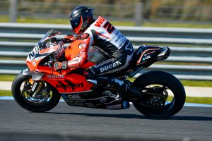 Bayliss makes first racing appearance aboard Ducati V4 R