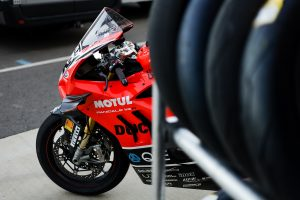 Jones draws first impression of Ducati V4 R