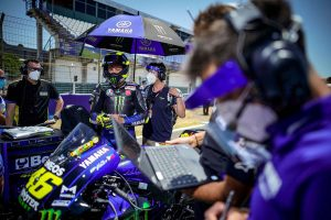 'Red alarm' ends difficult first race of the year for Rossi
