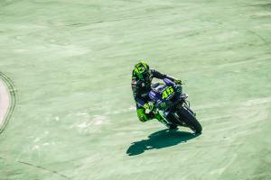 Official: Valentino Rossi to Petronas Yamaha SRT